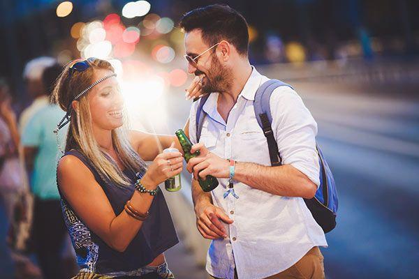 pareja-bebiendo