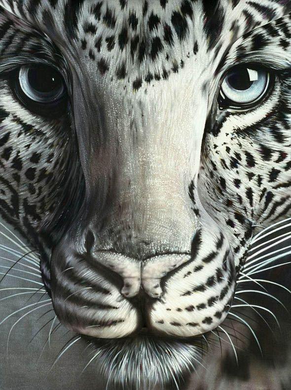 El leopardo y la mujer